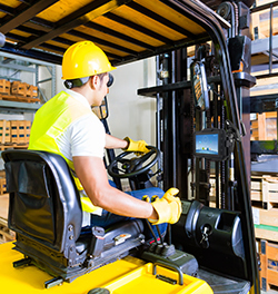 Forklift driver receives the latest information to carry out accurate material handling